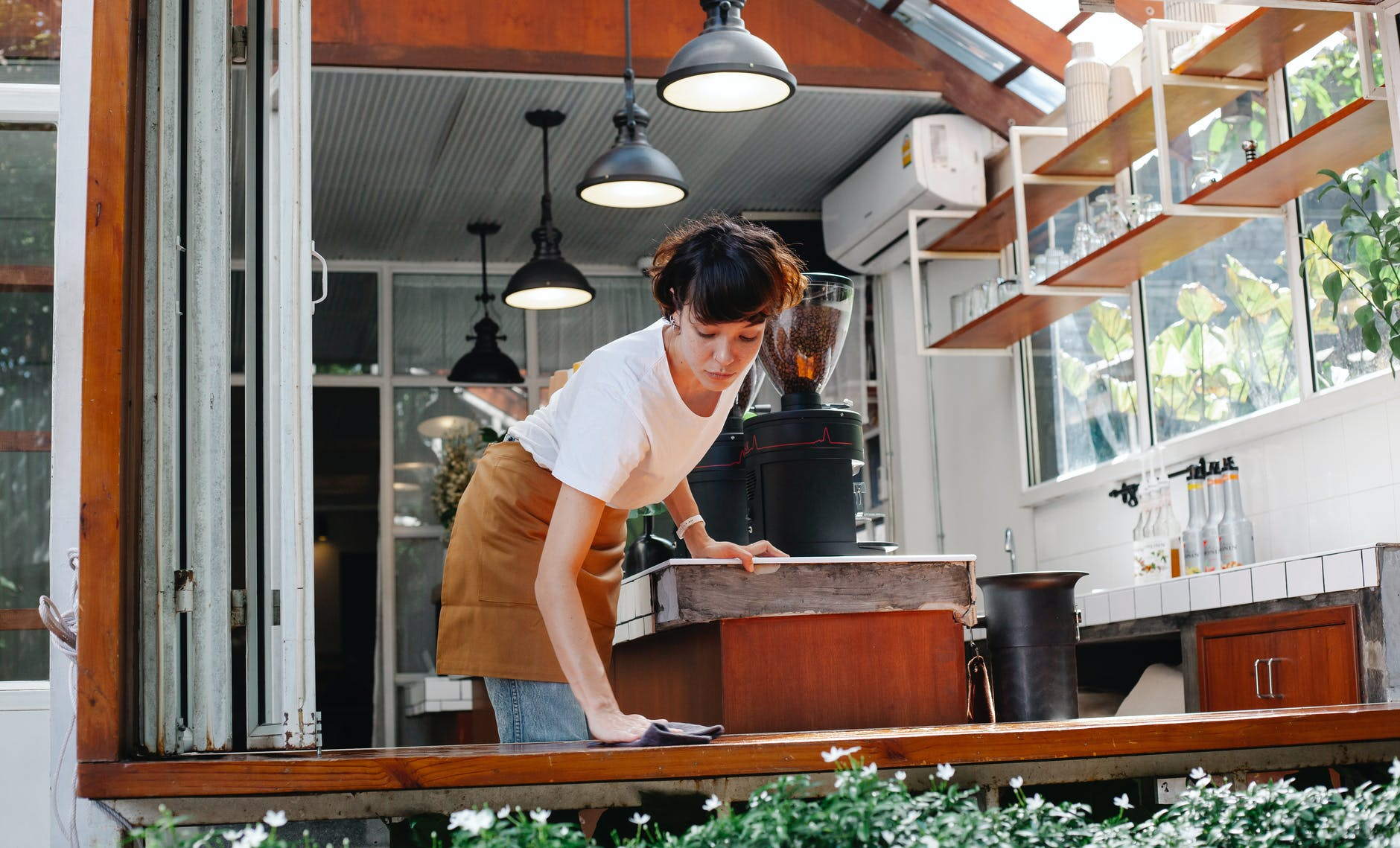 7-ways-you-can-retain-good-restaurant-employees